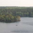 Ättestupan, 40 meter över sjön Orlunden